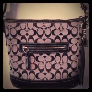 👜Coach Vintage Black Bucket Shoulder Bag